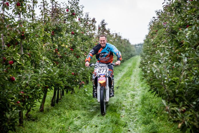 Kees Zuidhof is motorcrosser en fruitteler.