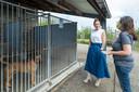 Natalia in gesprek met Wendy Kerselaers van Dierenebescherming Mechelen