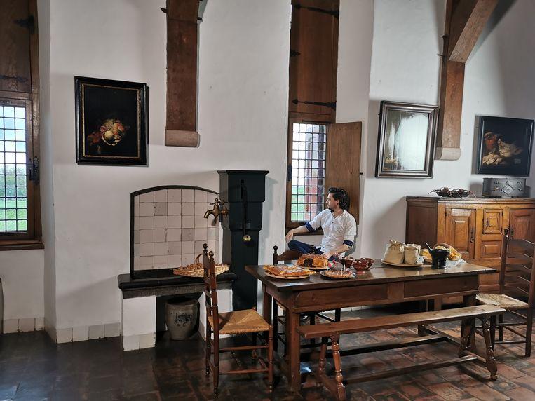 Kasteelkok en historicus Siebren Houwer verzorgt een kleinschalige proeverij en geeft een culinair geschiedenislesje. Beeld