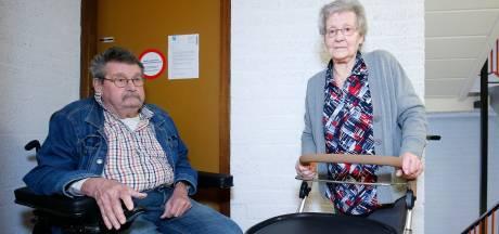 Protest boze Breukelse senioren loont: ze krijgen hun stortkokers terug