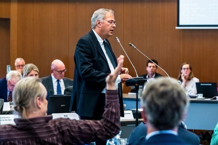 Peter Schlamilch tijdens een raadsvergadering (archieffoto).