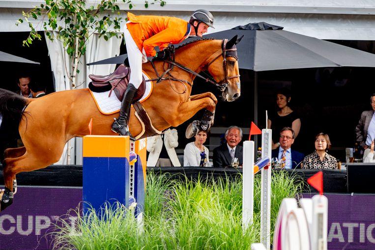 Frank Schuttert wint de Nations Cup springen op CHIO Rotterdam 2021. Beeld Hollandse Hoogte/ANP