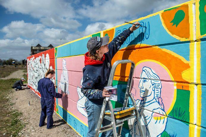 Streetart-kunstenaars kunnen op de wallspot in de Belcrum oefenen.