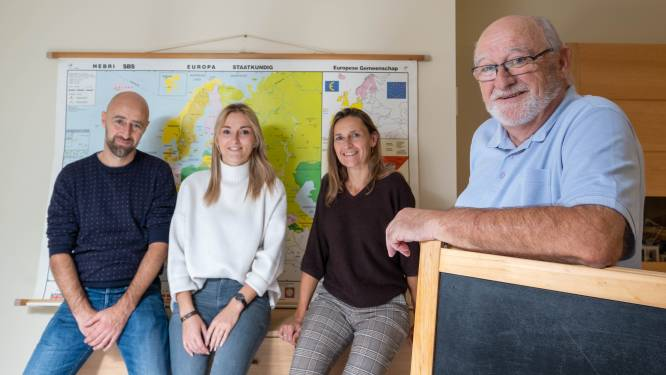 """Van René (72) tot Danaë (22): drie generaties leerkrachten over de staat van ons onderwijs. """"Ik kan zò terug lesgeven, op mijn leeftijd. Dat is toch niet normaal?"""""""
