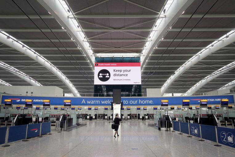 Europa's grootste luchthaven Heathrow ligt er verlaten bij. Beeld Photo News