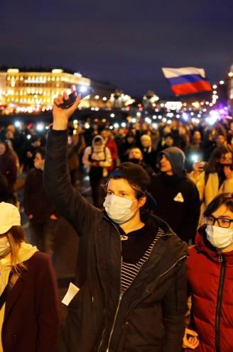 Terwijl Poetin harde taal spreekt, eisen 14.000 betogers z'n vertrek
