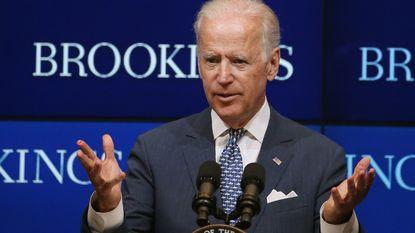 """Joe Biden: """"Oekraïne moet blijven hervormen om steun van VS te houden"""""""