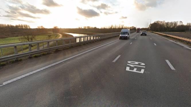 """Betonherstellingen aan autostradebrug over Beneden-Nete in Rumst: """"Impact op het verkeer tijdens werken is nihil"""""""