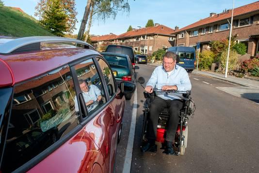 Harry Hoogeland in zijn levensgevaarlijke rolstoel.