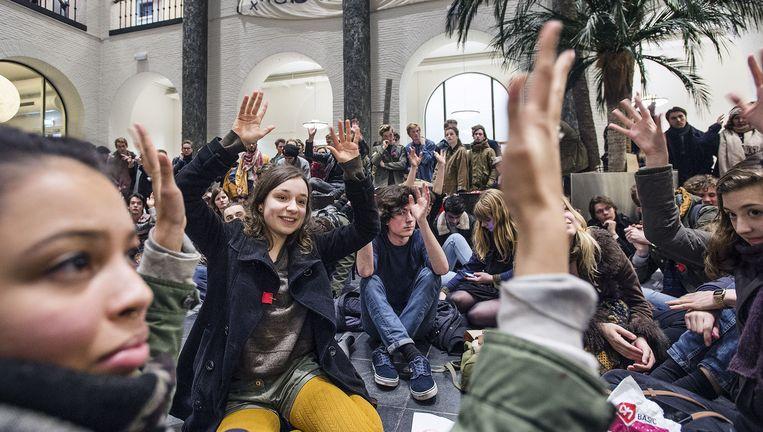 Bezetting van het Maagdenhuis. Beeld Guus Dubbelman / de Volkskrant