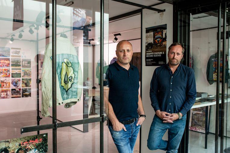 Oprichters-verzamelaars Richard en Marcel van Tiggelen in de Dutch Graffiti Library. Beeld Nosh Neneh