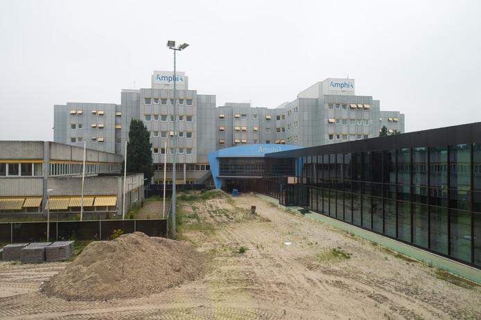 De huidige vestiging van het Amphia ziekenhuis aan de Molengracht gaat, als eind volgend jaar het nieuwe ziekenhuis in gebruik wordt genomen, dienst doen als klinisch revalidatiecentrum.