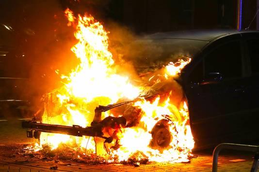 De dubbele autobrand in Oss.
