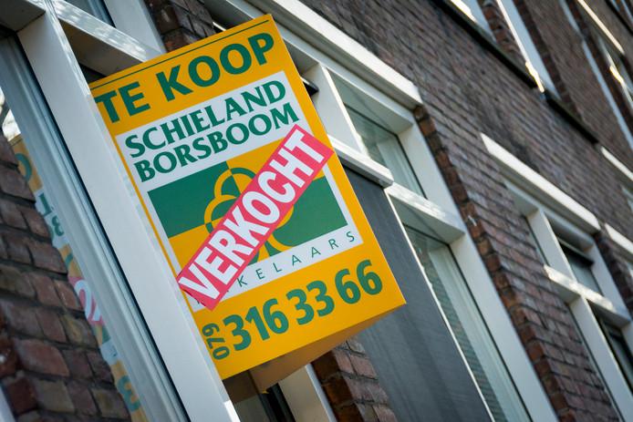 Door de economische groei worden er steeds meer huizen verkocht.