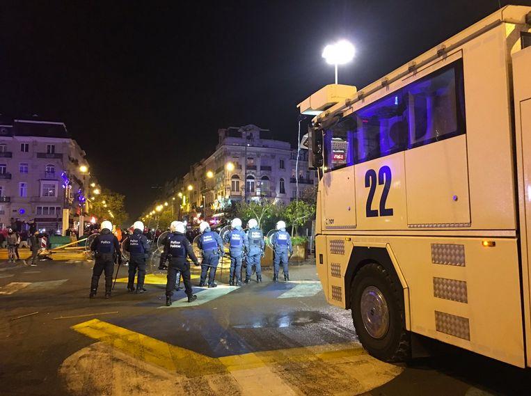 Relschoppers trokken vorig jaar een spoor van vernieling in de Brusselse binnenstad na afloop van de kwalificatiematch voor het WK voetbal tussen Marokko en Ivoorkust.