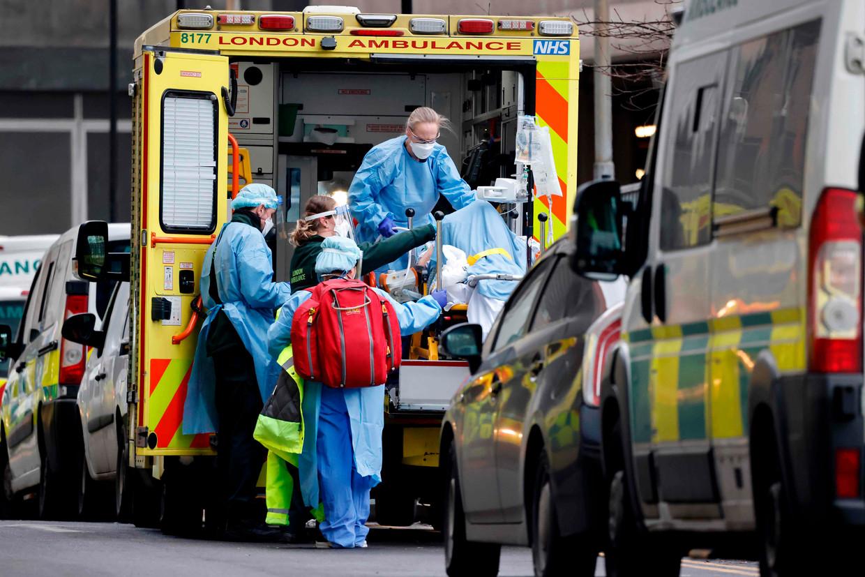 Tot dusver zijn in het Verenigd Koninkrijk circa 80.000 coronapatiënten bezweken als gevolg van covid-19. Beeld AFP