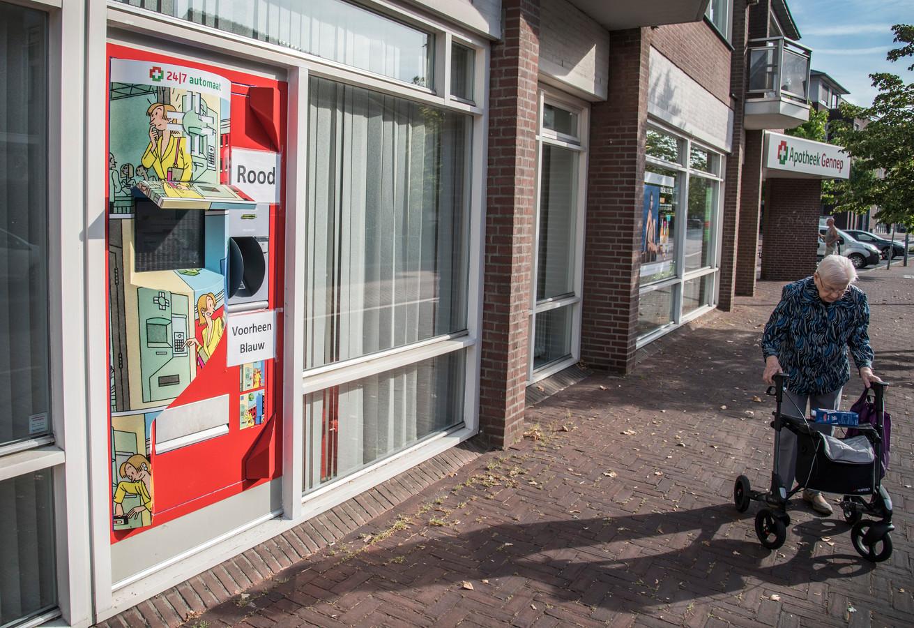 De enige apotheek in Gennep aan de Brugstraat is hoogstwaarschijnlijk niet lang meer de enige apotheek. Er komt er een bij in Gennep in het voormalig pand van Verhasselt mode.