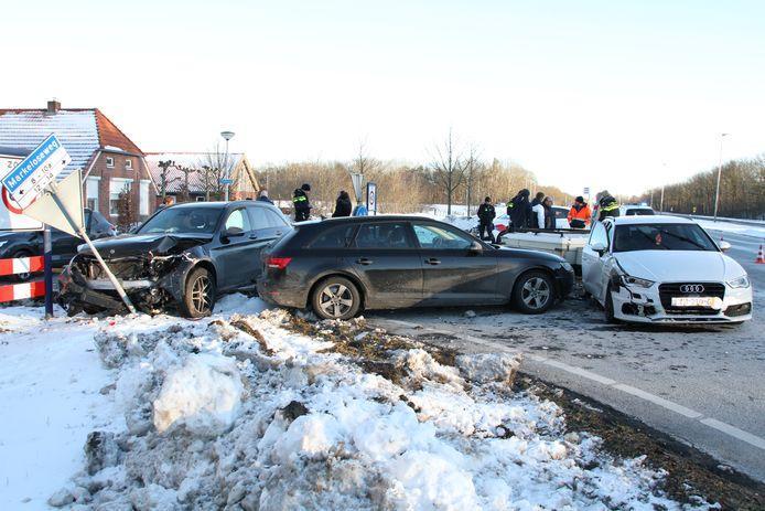 Een persoon is zaterdag aan het eind van de middag gewond geraakt bij een ongeval in Holten