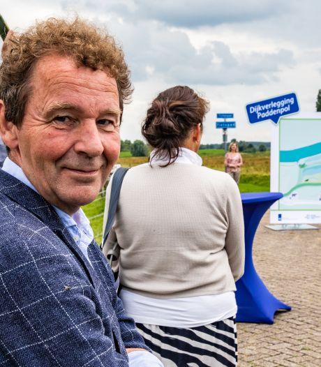 Minister Van Nieuwenhuizen verklaart Gerben Luchtenbelt uit Herxen officieel tot toekomstig eilandbewoner