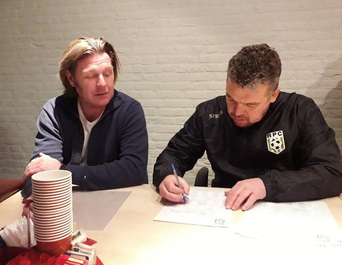 Trainer Goeran van den Heuvel (rechts) en links voorzitter Jan van den Broek van RPC.