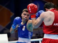 Enrico Lacruz wint eerste ronde op WK boksen in Rusland