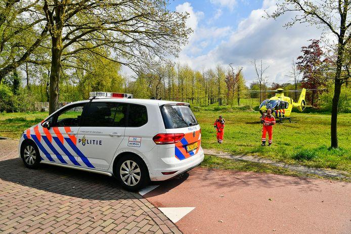 Traumaheli landt voor zwaargewonde fietsster in Dommelen.