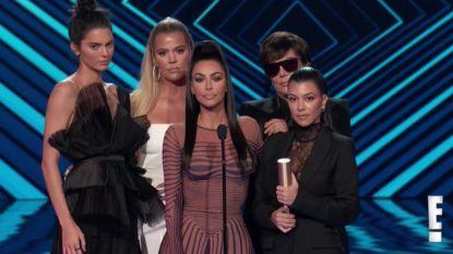 De duizelingwekkende jurk van Kim K. en euforie voor Marvel: alles wat je moet weten over de People's Choice Awards