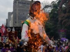 Les Brésiliens manifestent dans tout le pays pour la destitution de Bolsonaro