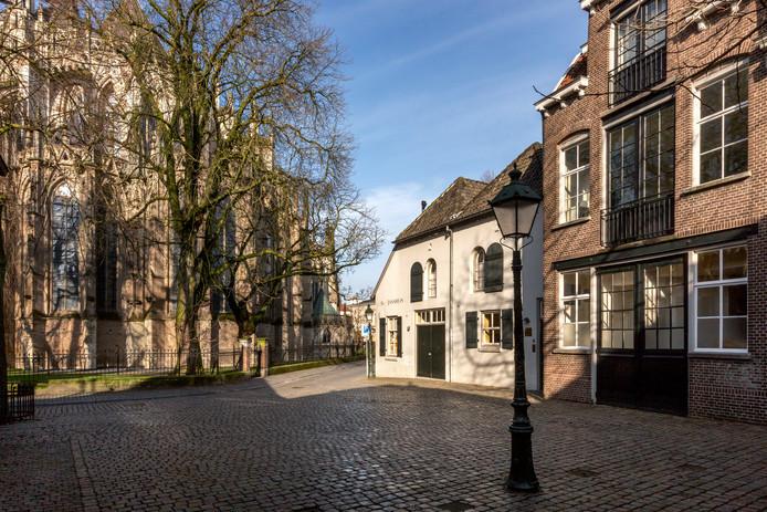 Het Sint-Janskerkhof in Den Bosch