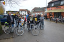 De groep vertrok 's ochtends met de fiets aan café 't Lammeken.
