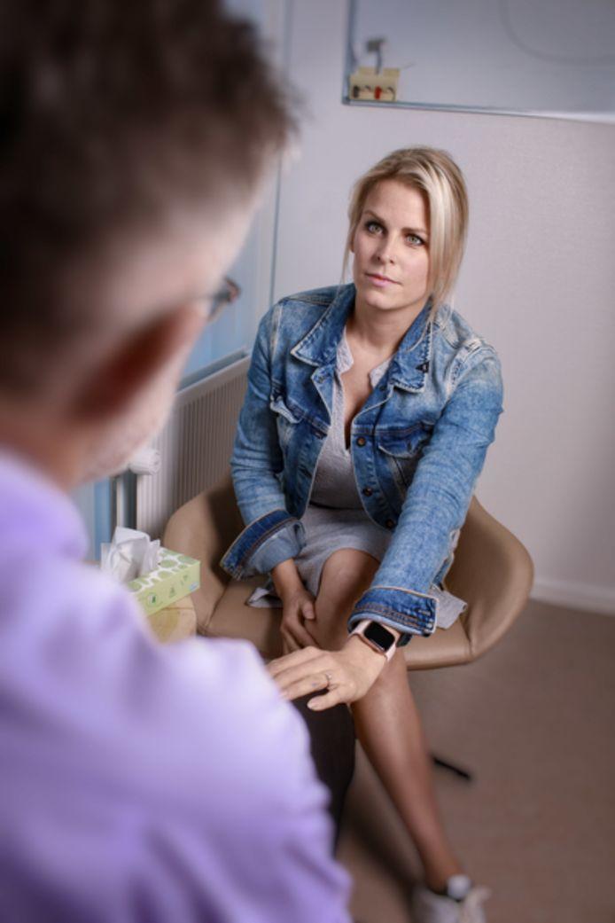 Medisch-psycholoog Marjan Traa van het Elisabeth-TweeSteden Ziekenhuis.