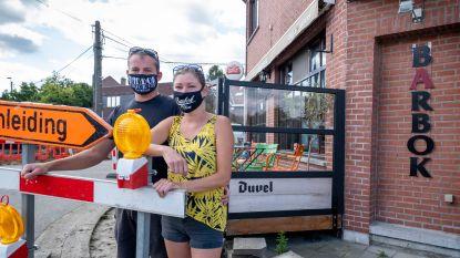 """Café BarBok sluit even de deuren: """"Corona is al moeilijk, wegenwerken zijn er te veel aan"""""""