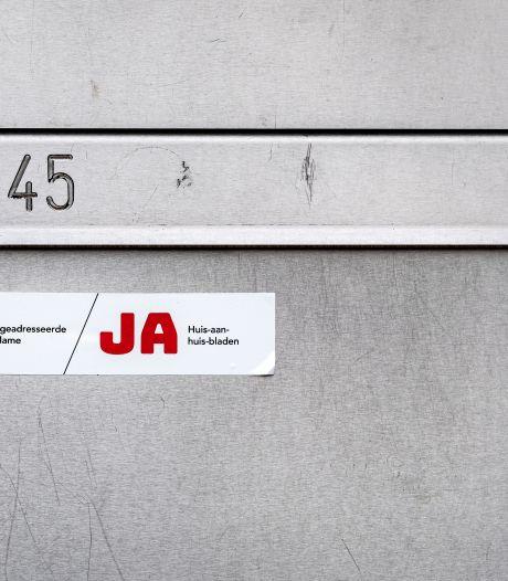 Wie in Hengelo straks nog reclame in de bus wil hebben, moet JA-JA sticker plakken