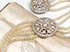 Juwelier koopt oude sieraden op in Delft