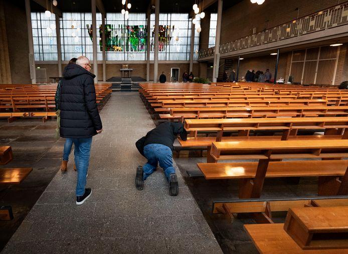 Verkoop inventaris kerk Someren-Heide, begin dit jaar.