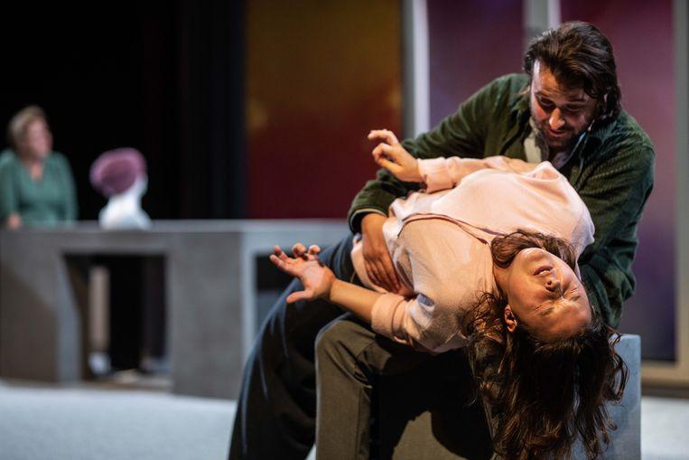 Afgelopen weekend ging de voorstelling voor dertig man in première in Almere. Beeld Bart Grietens