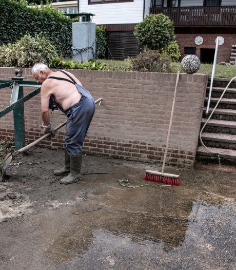 Hoe is het aan de oevers van 'Monster Maas', een week na de overstromingen? Volg de beige struiken en de vislucht