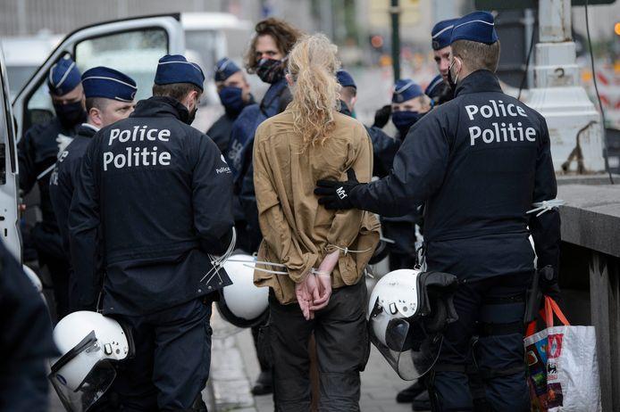 La zone de police de Bruxelles-Capitale/Ixelles a été condamnée au civil par le tribunal de première instance francophone de Bruxelles pour l'arrestation illégale, en 2019, de 22 membres d'Extinction Rebellion (illustration).