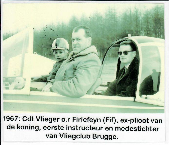 Een beeld uit de beginjaren van enkele stichters van Aeroclub Brugge.