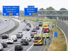Botsing bedrijfsbusjes op A35 bij Wierden: flinke verkeershinder