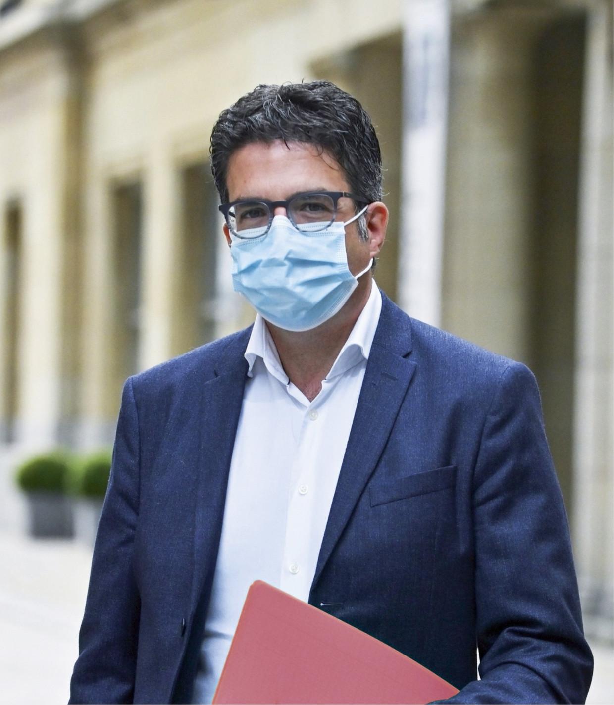 Viroloog Steven Van Gucht Beeld Humo
