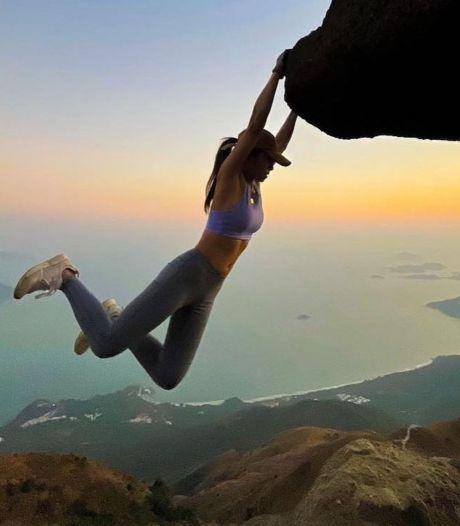 Une influenceuse décède en prenant un selfie au-dessus d'une falaise