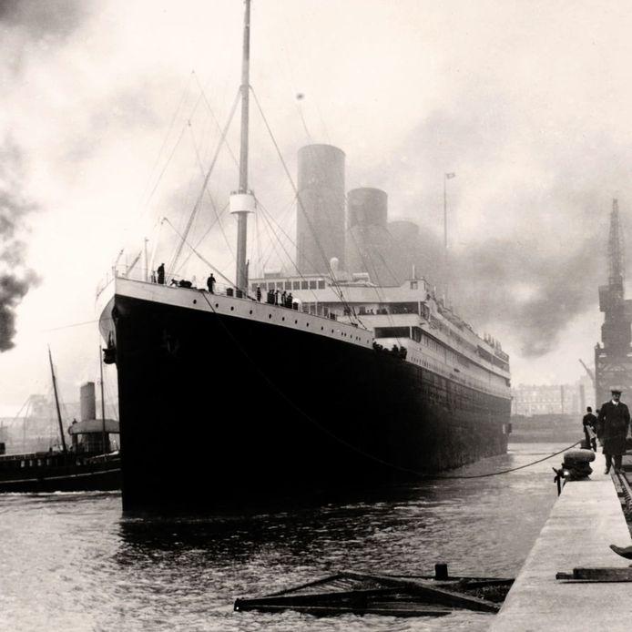 Caption: de Titanic in 1912