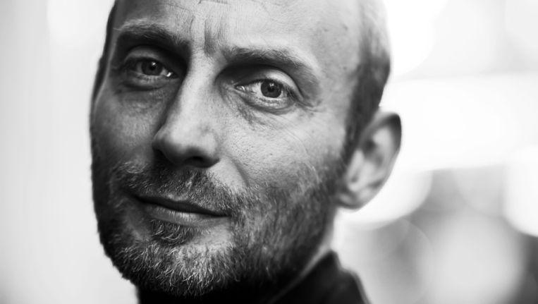 Antwerps stadsdichter Stijn Vranken wil meer poëzie in het leven van de Antwerpse gevangenen brengen. Beeld Karoly Effenberger