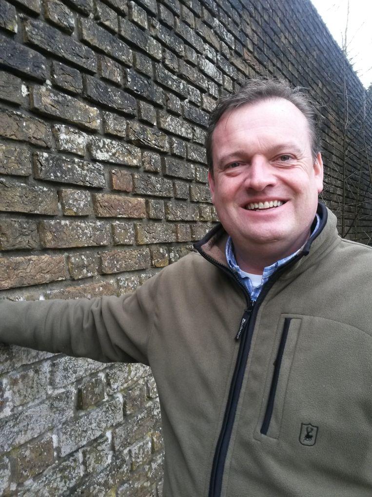 Roderick Zoons groeide op met de Muur van Mussert... Beeld