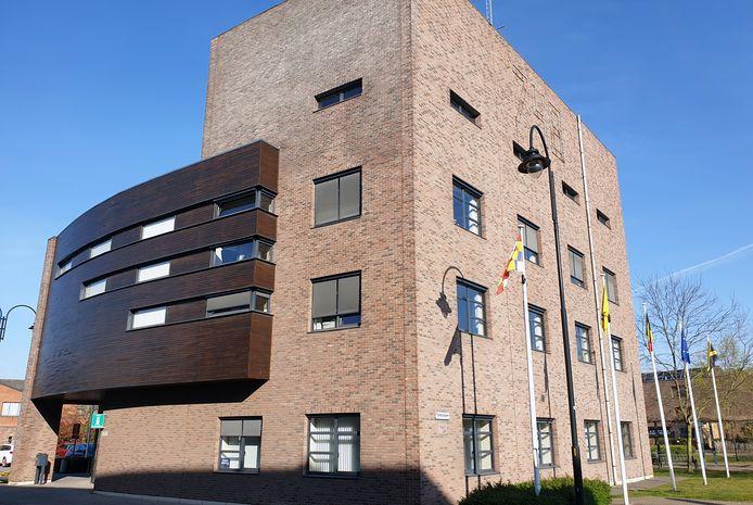 Het gemeentehuis van Dessel.