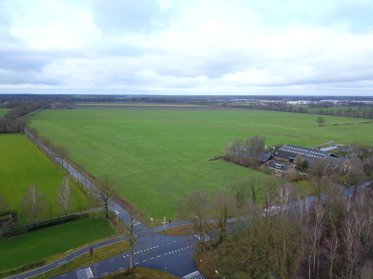 Dronefoto's van de plek waar het grootste zonnepark van Gelderland moet komen