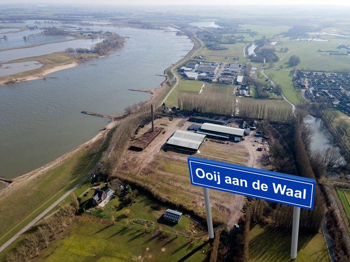 Op het door populieren omzoomde Reomie-terrein in Ooij moet een fonkelnieuwe woonwijk komen.