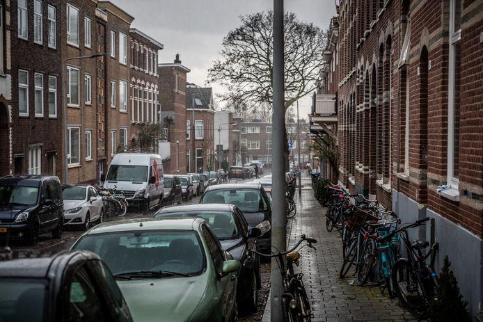 Arnhem is stukken betaalbaarder dan Amsterdam, weet Michael (23). Toch zal hij voor meer werk in zijn veld naar de hoofdstad verhuizen.