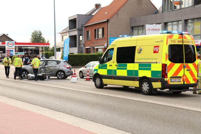 De motard werd in levensgevaar afgevoerd naar het ziekenhuis.